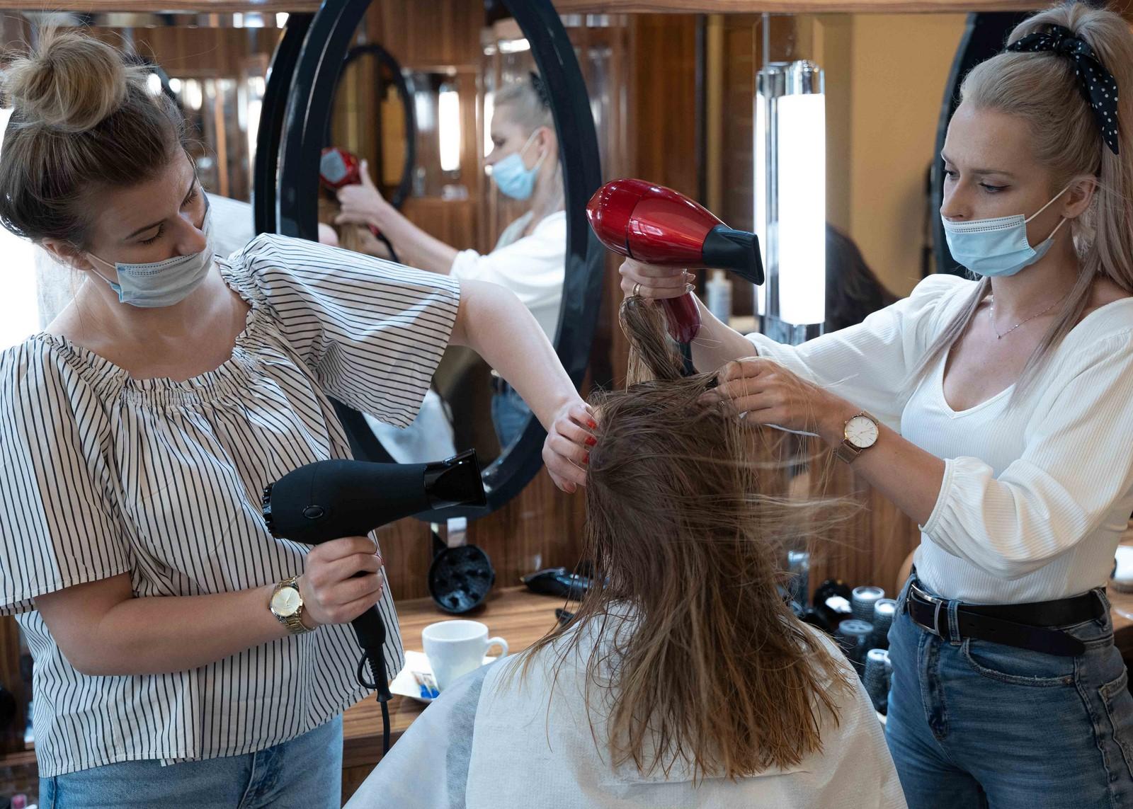 Keratynowe prostowanie włosów - Warszawa, salon Tallulah Hair & Beauty