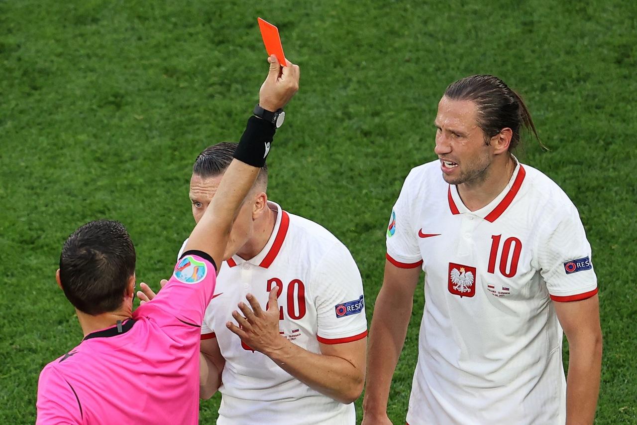 Grzegorz Krychowiak - czerwona kartka na Euro 2020