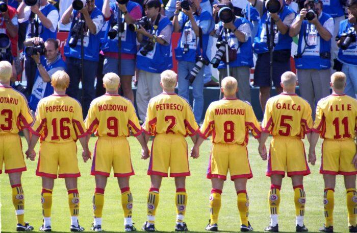 Rumuńska drużyna przefarbowała się na blond i wzbudziła sensację na Euro 1998